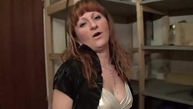 Redhead mature's hairy pussy