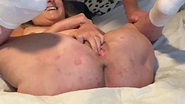 Mature Mom Rubs Her Shaved Pussy To Big Squirting Orgasm