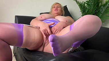 Big Tit Mature Mom in Pink Stockings Foot fetish and Finger Fuck