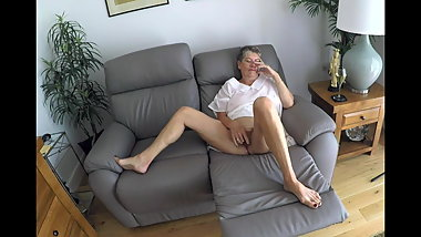 Gardener gets an eyeful of 71 yr old Gilf edging herself