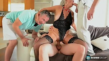 Silva Foxx HotWife Mature Threesome