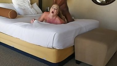 BBC hard fuck to orgasm amateur american milf from ForSex.eu